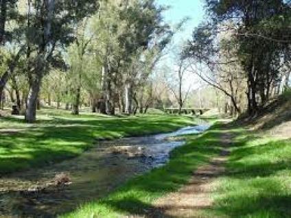 Arroyo Larca, a los pies de las sierras